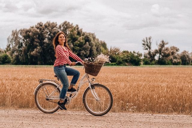 Zakup roweru damskiego – o czym pamiętać?