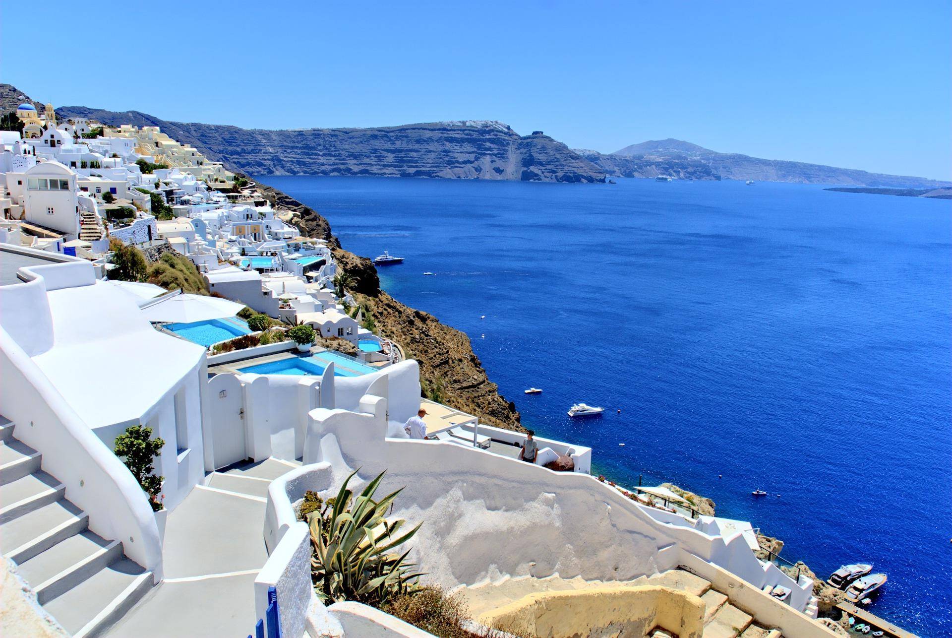 Jak szukać last minute i kupować tanie wakacje?