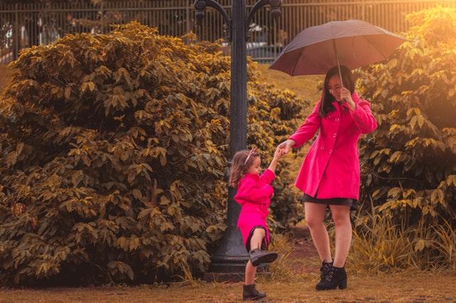 Sezonowe wyprzedaże dziecięce – na co warto polować!