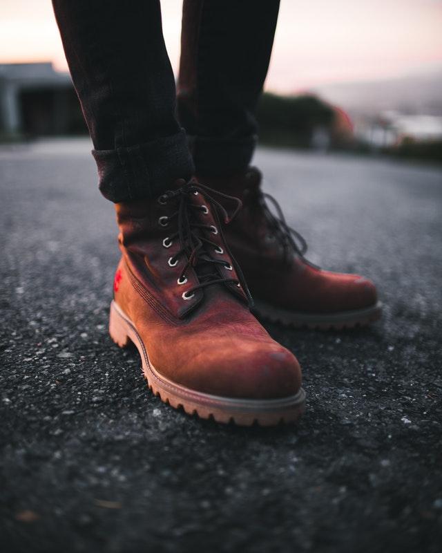Jak dopasować buty damskie do okazji